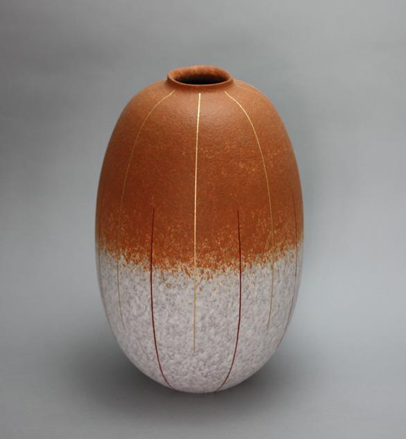 2010 吹泥金紅線文彩壺